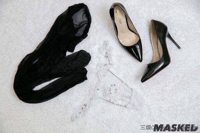 [MaskedQueen假面女皇]Vol.003_大胸妹子超薄黑丝裤袜诱惑翘臀写真[39/40]