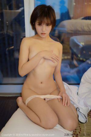 [MFStar模范学院]Vol.172_嫩模小姿2002私房学生制服全裸遮胸半脱白衬衣露性感美胸写真[51P]