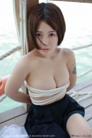 [MFStar模范学院]Vol.057_Evelyn艾莉马尔代夫旅拍性感比基尼白嫩肌肤写真+捆绑遮胸[50P]