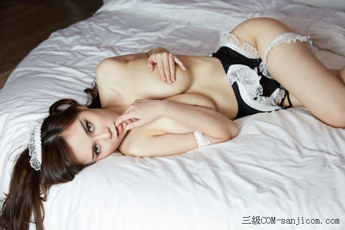 [MiiTao蜜桃社]Vol.014_嫩模米琪MIKI黑色女仆装F罩杯丰乳肥臀性感写真[16/60]