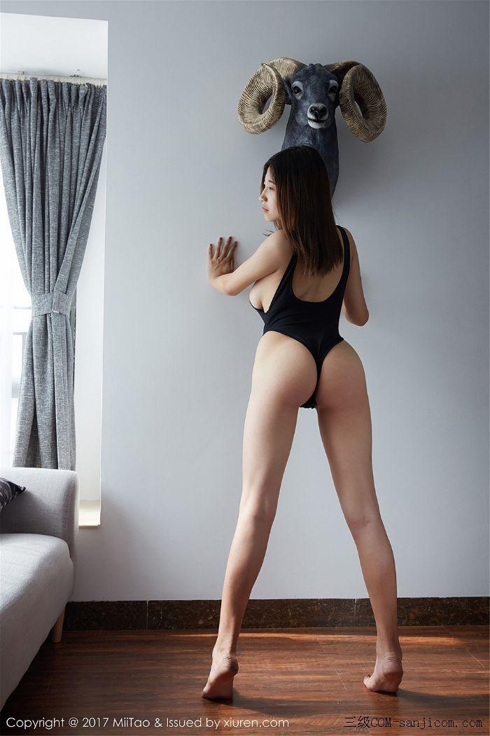 [MiiTao蜜桃社]Vol.066_嫩模可乐黑色高叉吊带连体内衣凸点丰乳翘臀前凸后翘诱惑写真[3/45]