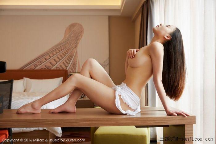 [MiiTao蜜桃社]Vol.007_新人模特许思铭脱护士装秀丰乳极致肥臀诱惑写真[20/71]