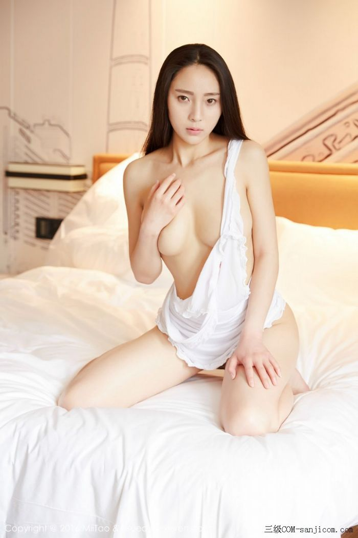[MiiTao蜜桃社]Vol.007_新人模特许思铭脱护士装秀丰乳极致肥臀诱惑写真[36/71]