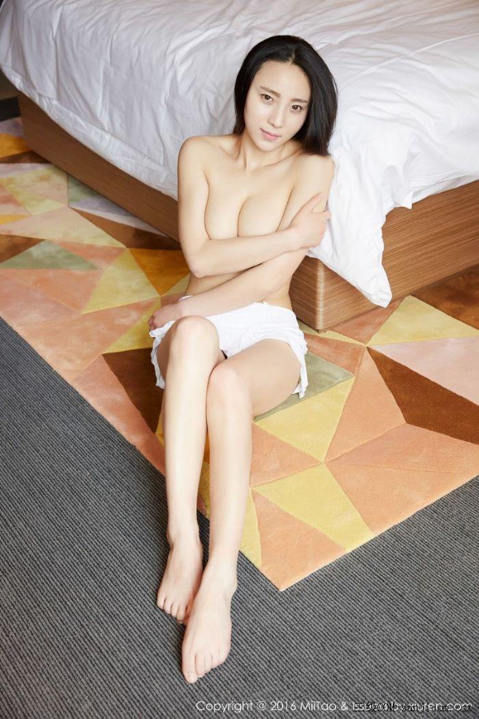 [MiiTao蜜桃社]Vol.007_新人模特许思铭脱护士装秀丰乳极致肥臀诱惑写真[39/71]