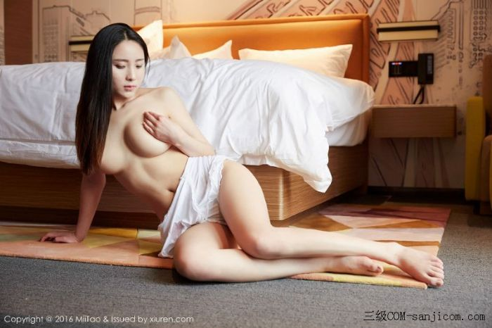 [MiiTao蜜桃社]Vol.007_新人模特许思铭脱护士装秀丰乳极致肥臀诱惑写真[40/71]