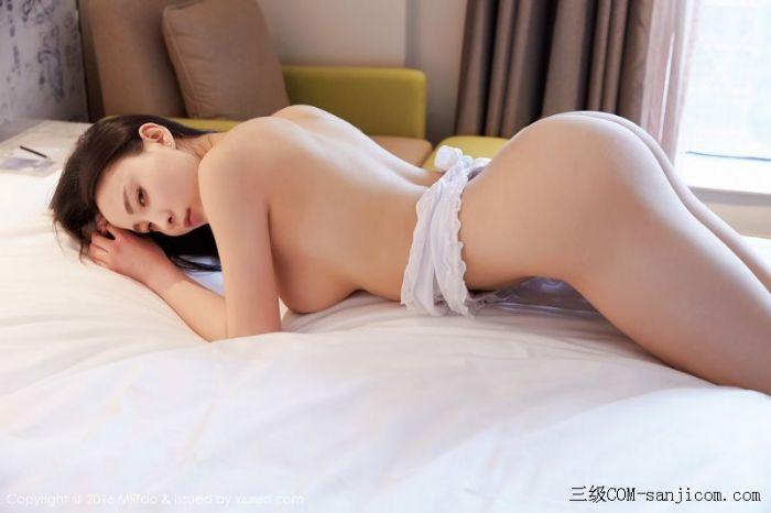 [MiiTao蜜桃社]Vol.007_新人模特许思铭脱护士装秀丰乳极致肥臀诱惑写真[43/71]
