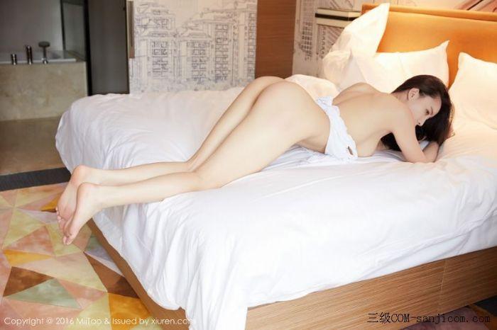 [MiiTao蜜桃社]Vol.007_新人模特许思铭脱护士装秀丰乳极致肥臀诱惑写真[45/71]