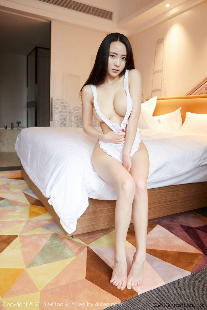 [MiiTao蜜桃社]Vol.007_新人模特许思铭脱护士装秀丰乳极致肥臀诱惑写真[47/71]