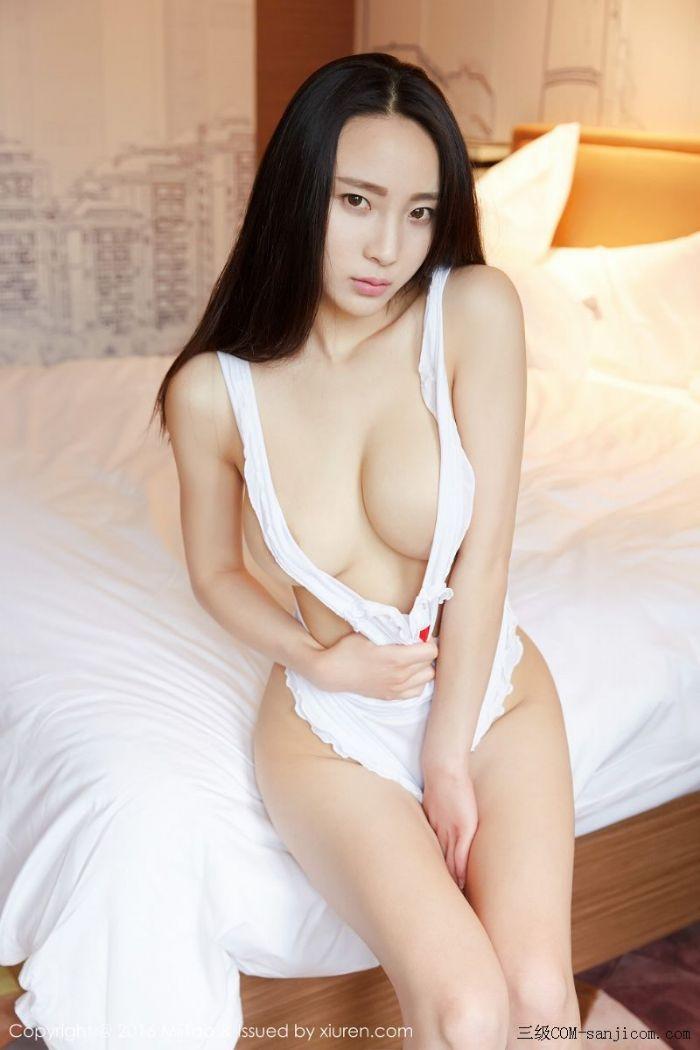 [MiiTao蜜桃社]Vol.007_新人模特许思铭脱护士装秀丰乳极致肥臀诱惑写真[48/71]
