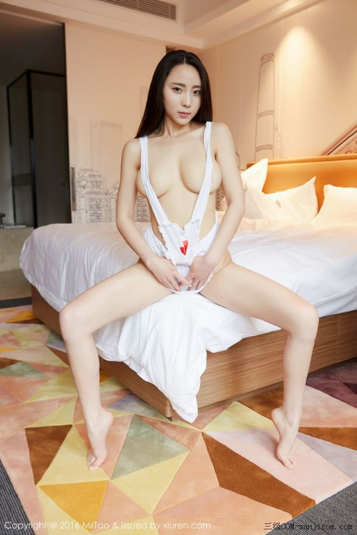[MiiTao蜜桃社]Vol.007_新人模特许思铭脱护士装秀丰乳极致肥臀诱惑写真[49/71]