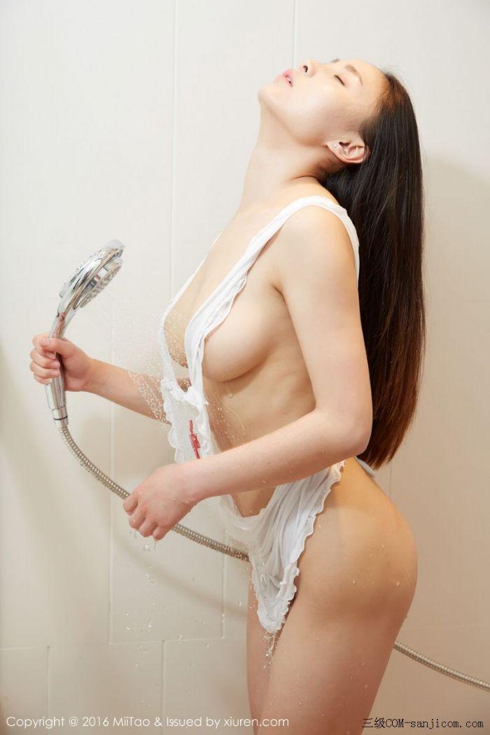 [MiiTao蜜桃社]Vol.007_新人模特许思铭脱护士装秀丰乳极致肥臀诱惑写真[62/71]