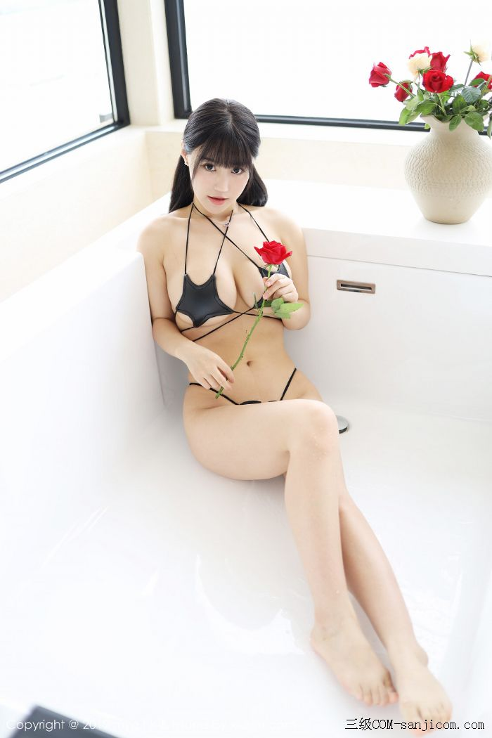 [MyGirl美媛馆]Vol.400_嫩模Flower朱可儿大理旅拍浴室里黑色情趣内衣完美诱惑写真[2/45]
