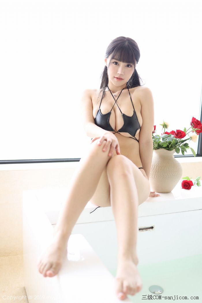 [MyGirl美媛馆]Vol.400_嫩模Flower朱可儿大理旅拍浴室里黑色情趣内衣完美诱惑写真[43/45]