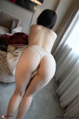 Rosimm第2835期_针织睡衣美女居家私房全裸上身露美背性感内裤秀翘臀诱惑写真[63P]