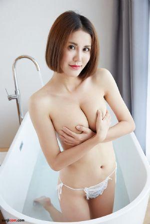 蜜桃社混血美女玛丽浴缸湿身大尺度美乳展现玉手遮胸[23P]