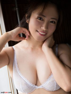 日本女优矶山沙也加- 2017年週NEWS写真[40P]