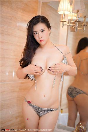 性感丰满美女少妇王婉悠Queen抓着一对性感大乳房反复揉着 巨乳半裸诱惑[48P]