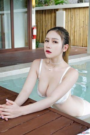 性感乳神于姬高挺的奶子上两颗葡萄在睡衣上支起两个点 红唇美腿妩媚妖娆性感[49P]