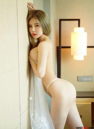 性感美女爱丽莎细腿翘臀 美胸火辣身材超级诱人[25P]