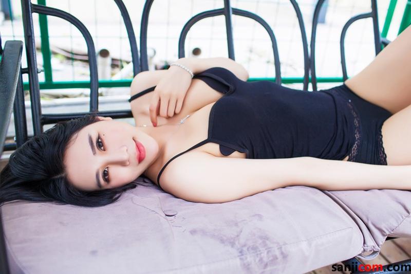 丰臀美女林恩芝alu与我的下体亲密接触着 弹性十足修长圆润的玉腿[11/50]