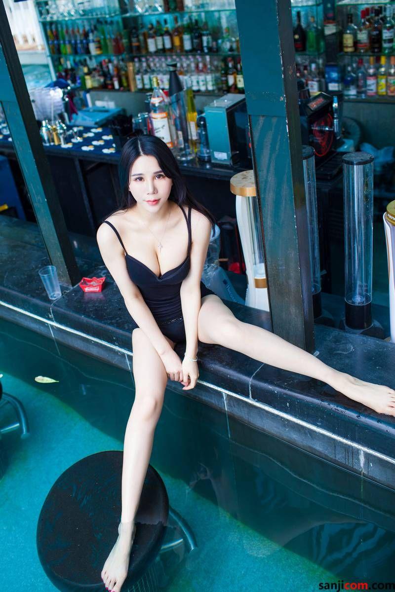 丰臀美女林恩芝alu与我的下体亲密接触着 弹性十足修长圆润的玉腿[2/50]