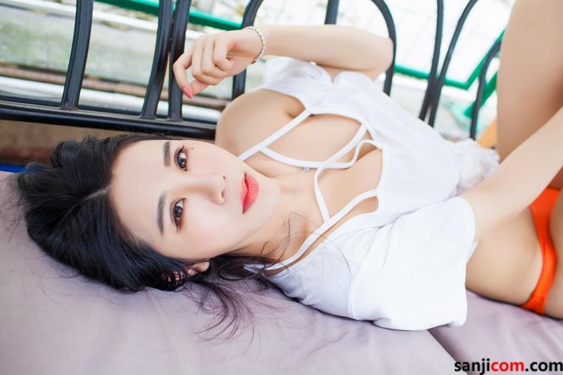丰臀美女林恩芝alu与我的下体亲密接触着 弹性十足修长圆润的玉腿[38/50]