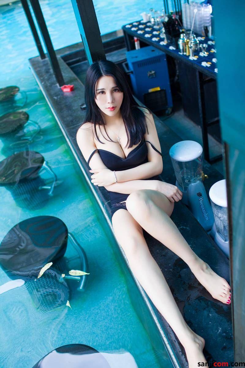 丰臀美女林恩芝alu与我的下体亲密接触着 弹性十足修长圆润的玉腿[4/50]