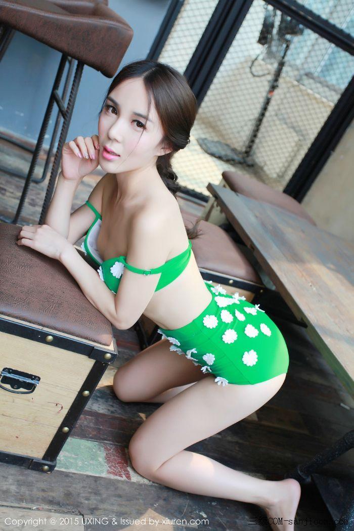 [UXING优星馆]Vol.033_嫩模Candy刘美辰带花比基尼性感翘臀迷人美胸写真[2/64]