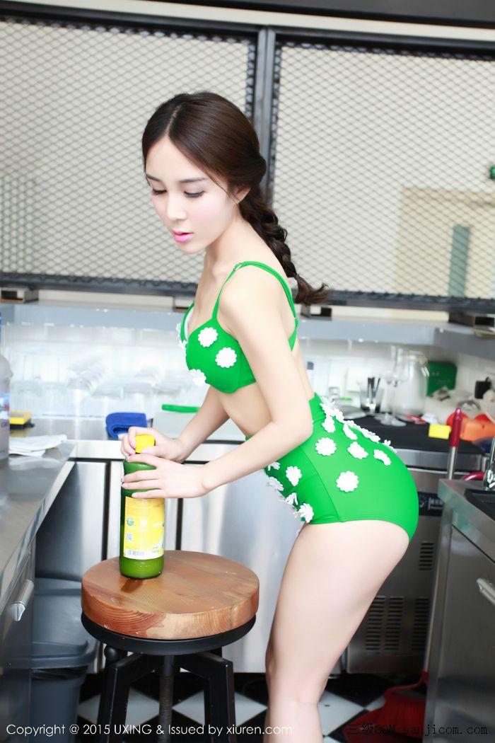 [UXING优星馆]Vol.033_嫩模Candy刘美辰带花比基尼性感翘臀迷人美胸写真[26/64]