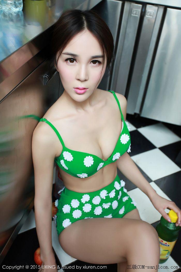 [UXING优星馆]Vol.033_嫩模Candy刘美辰带花比基尼性感翘臀迷人美胸写真[48/64]