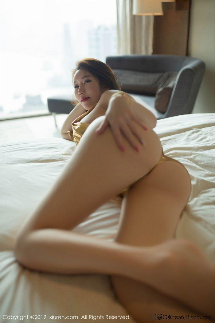 [XiuRen秀人网]No.1547_丰乳肥臀女神Egg_尤妮丝居家私房大尺度全裸圣光遮胸露豪乳翘臀火辣诱惑写真[21/55]