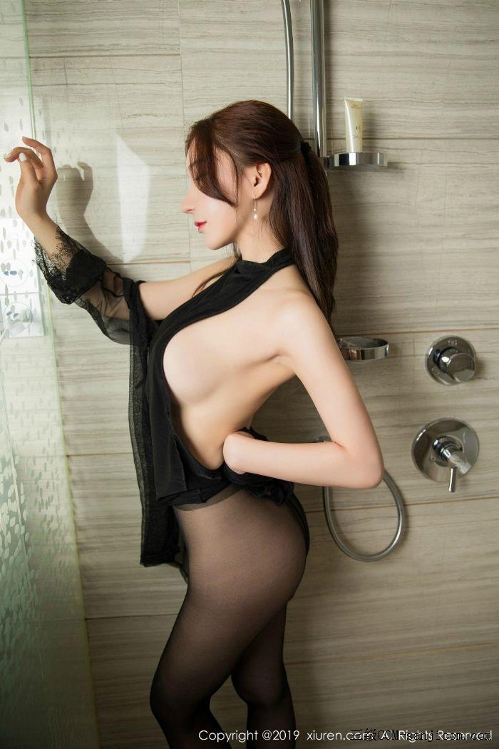 [XiuRen秀人网]No.1556_女神周于希Sandy玉手遮胸私房浴室里情趣黑丝半露豪乳撩人诱惑写真[36/56]