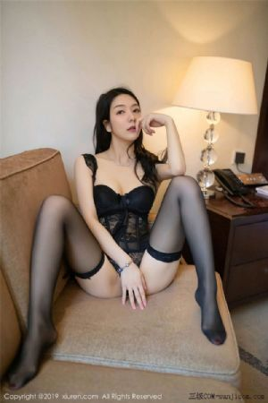 [XiuRen秀人网]No.1572_女神Angela喜欢猫私房蕾丝内衣配吊带黑丝袜惹火诱惑写真[59P]