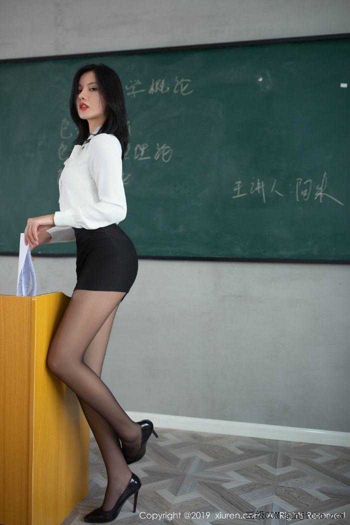 [XiuRen秀人网]No.1690_嫩模就是阿朱啊全裸遮胸魅惑教师制服白衬衣配无内黑丝裤袜诱惑写真[107/108]