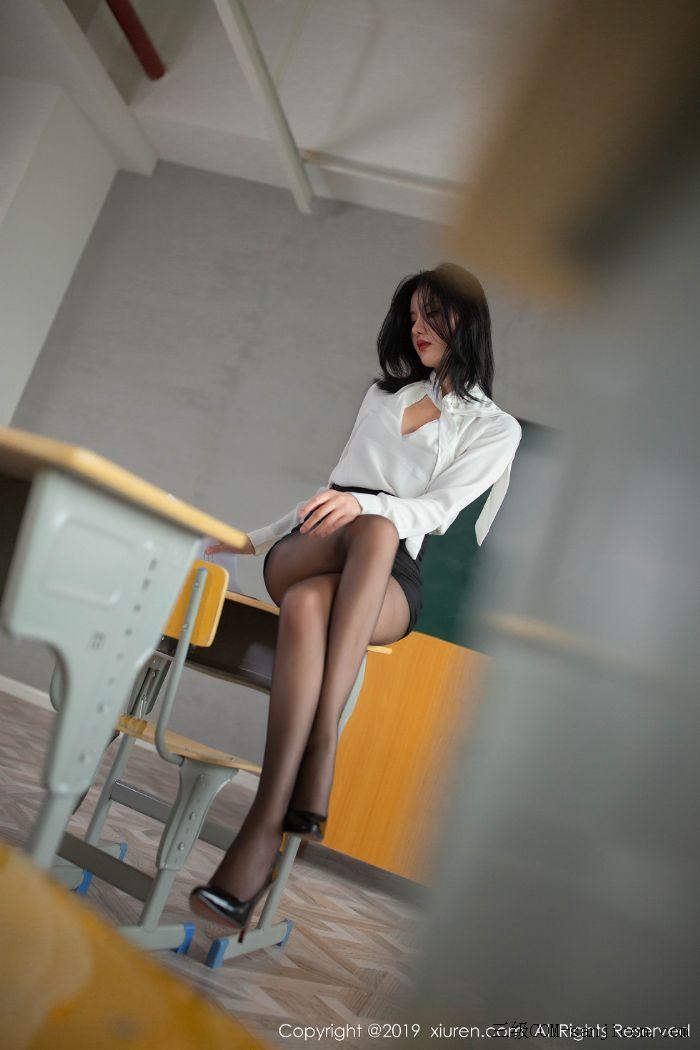 [XiuRen秀人网]No.1690_嫩模就是阿朱啊全裸遮胸魅惑教师制服白衬衣配无内黑丝裤袜诱惑写真[21/108]