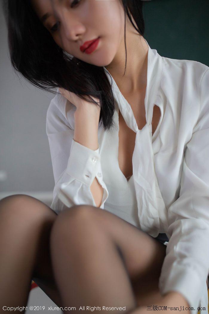 [XiuRen秀人网]No.1690_嫩模就是阿朱啊全裸遮胸魅惑教师制服白衬衣配无内黑丝裤袜诱惑写真[28/108]