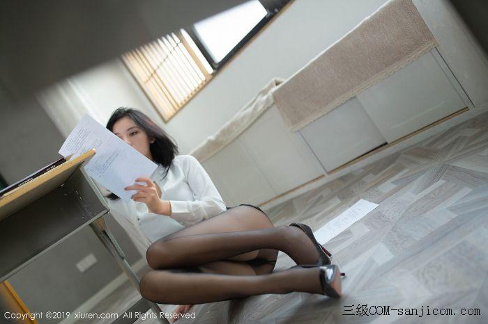 [XiuRen秀人网]No.1690_嫩模就是阿朱啊全裸遮胸魅惑教师制服白衬衣配无内黑丝裤袜诱惑写真[33/108]
