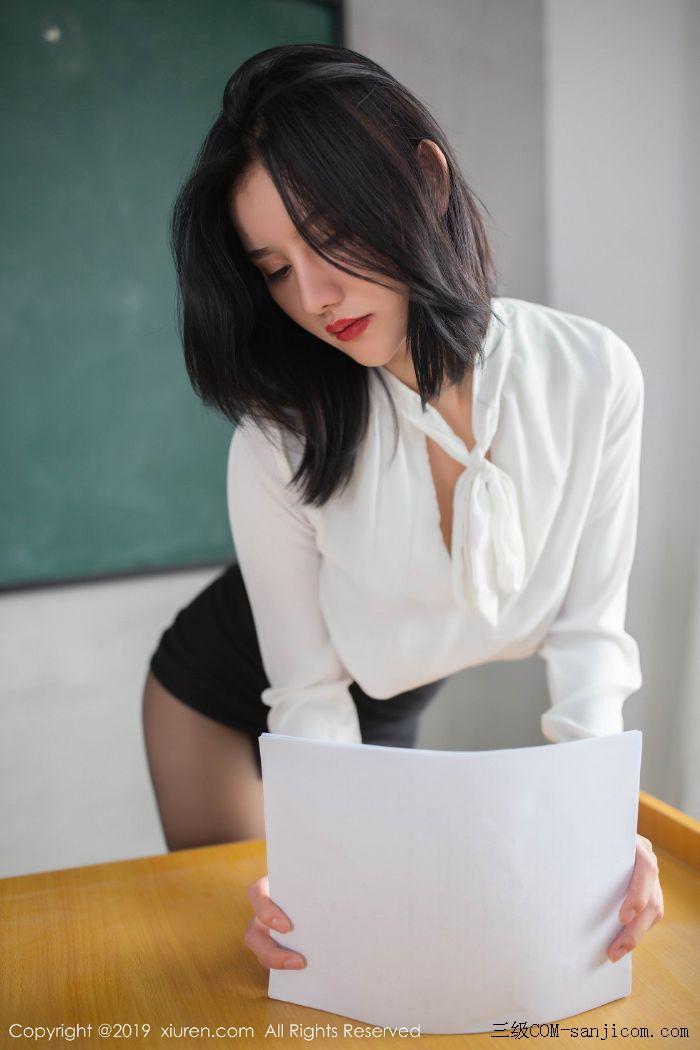 [XiuRen秀人网]No.1690_嫩模就是阿朱啊全裸遮胸魅惑教师制服白衬衣配无内黑丝裤袜诱惑写真[46/108]