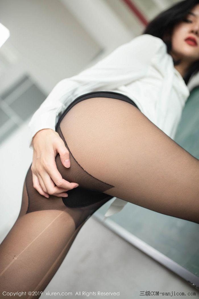 [XiuRen秀人网]No.1690_嫩模就是阿朱啊全裸遮胸魅惑教师制服白衬衣配无内黑丝裤袜诱惑写真[63/108]