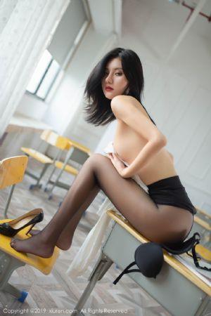 [XiuRen秀人网]No.1690_嫩模就是阿朱啊全裸遮胸魅惑教师制服白衬衣配无内黑丝裤袜诱惑写真[108P]