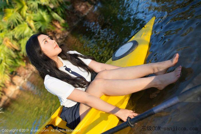 [XiuRen秀人网]No.1719_女神Manuela玛鲁娜美国旅拍室外皮划艇全裸上身露豪乳遮胸极致诱惑写真[18/52]