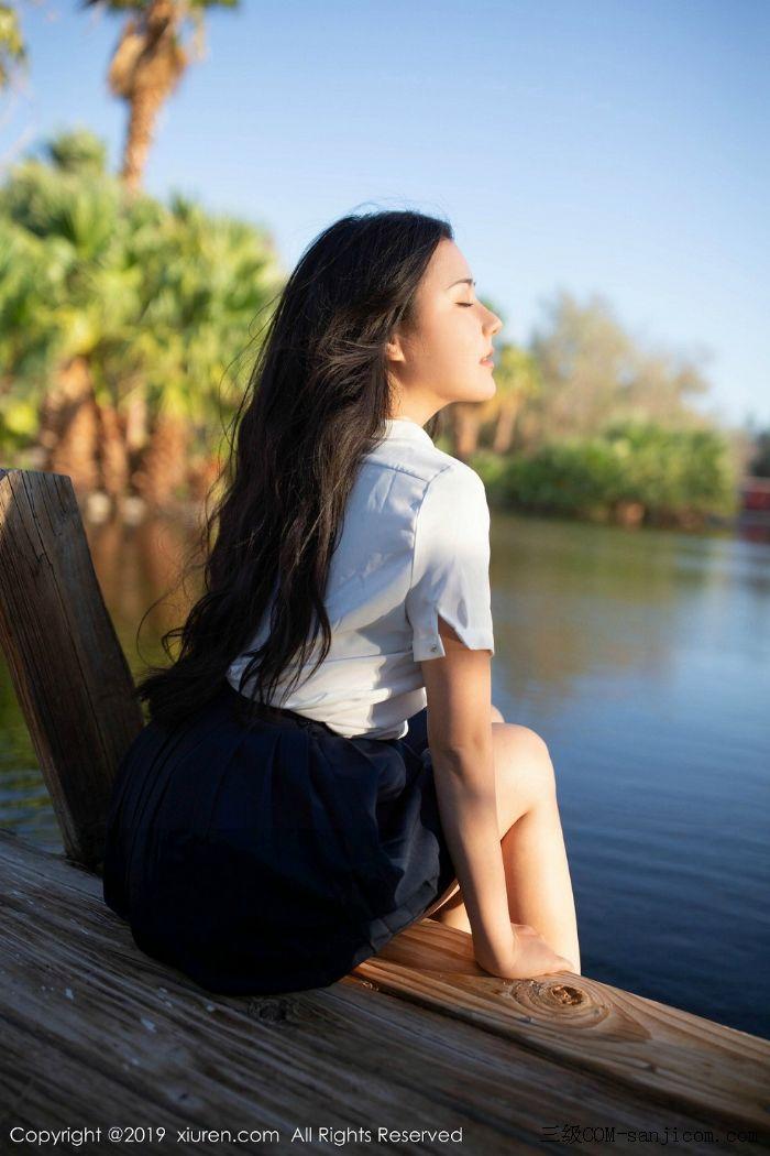 [XiuRen秀人网]No.1719_女神Manuela玛鲁娜美国旅拍室外皮划艇全裸上身露豪乳遮胸极致诱惑写真[5/52]