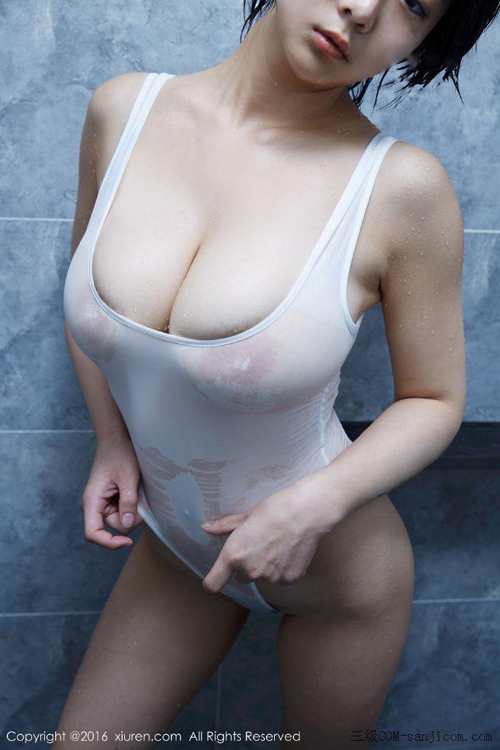 [XiuRen秀人网]No.453_巨乳嫩模雨瞳Yoyo大尺度全裸遮胸秀G杯豪乳极致诱惑写真[32/62]