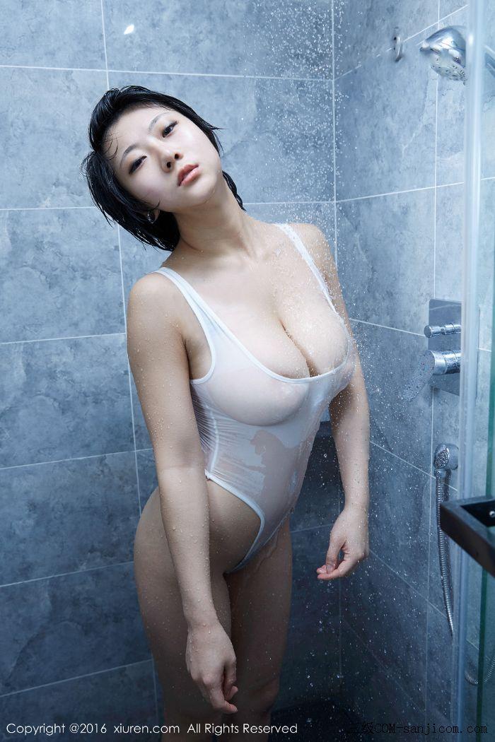 [XiuRen秀人网]No.453_巨乳嫩模雨瞳Yoyo大尺度全裸遮胸秀G杯豪乳极致诱惑写真[35/62]