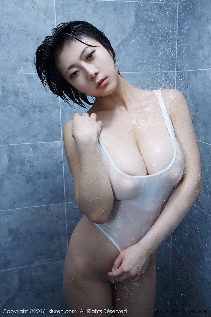 [XiuRen秀人网]No.453_巨乳嫩模雨瞳Yoyo大尺度全裸遮胸秀G杯豪乳极致诱惑写真[40/62]